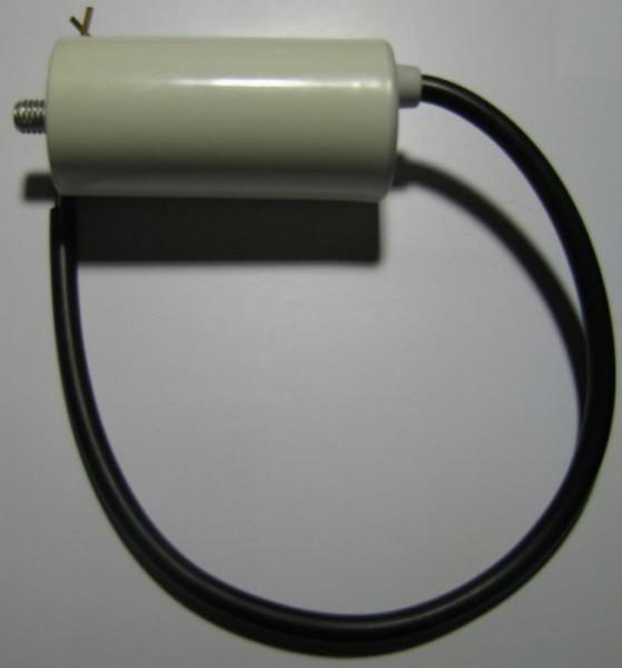 Kondensator mit Bolzen und Anschlusskabel